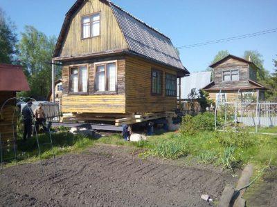 Поднятие дома на винтовые сваи цена. Винтовые сваи Кемерово для поднятия домов недорого в наличии и под заказ.